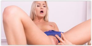 Cayla Lyons vr porn